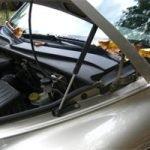 gas hood struts on a car